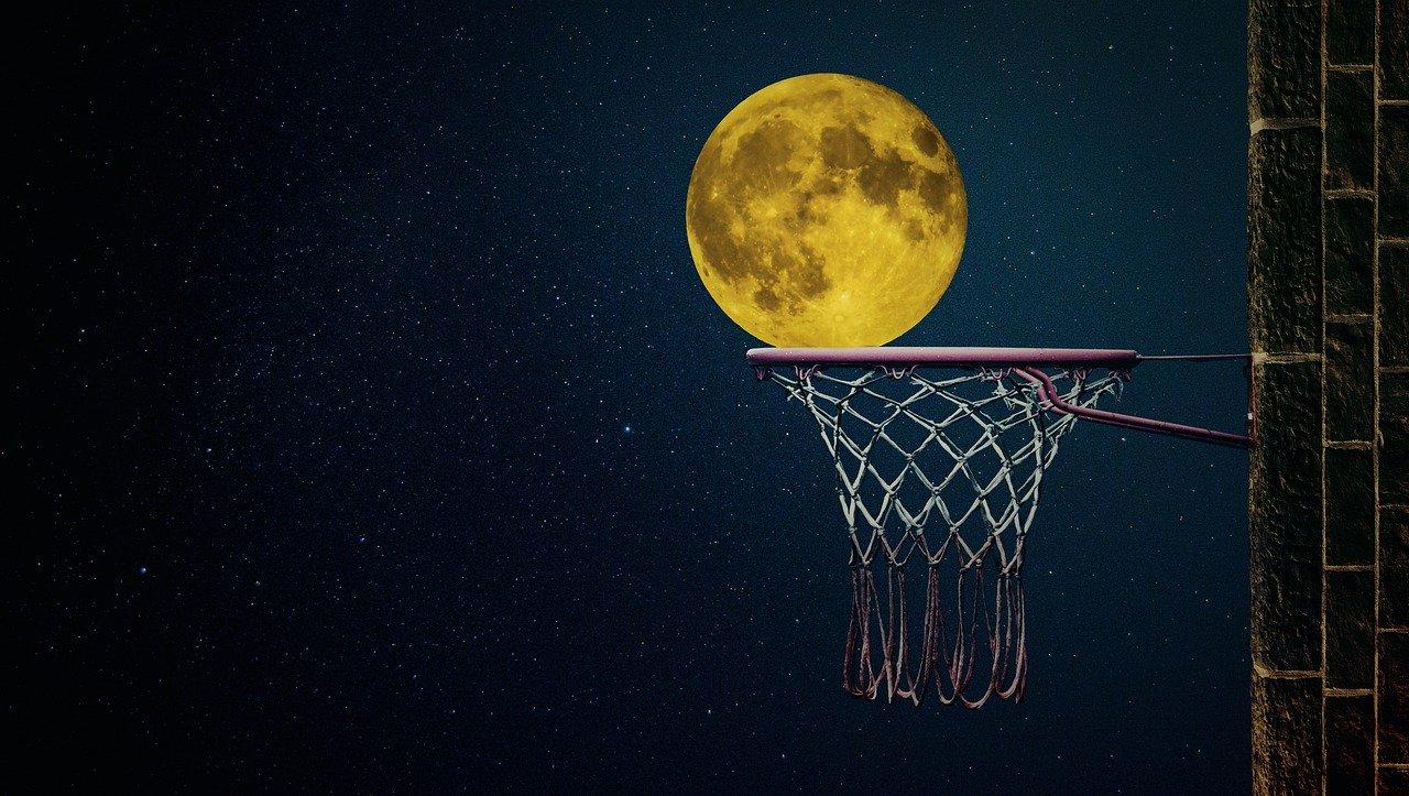 moon-4919501_1280